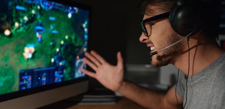 Como lidar com trolls online quando estiver jogando?
